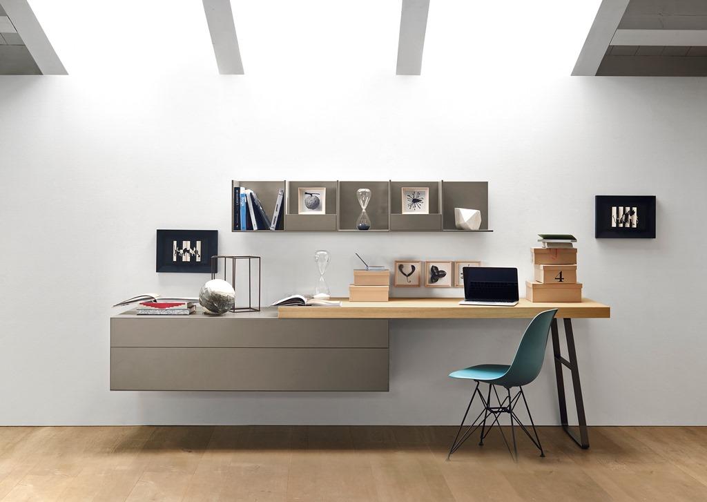 Cassettiera e scrivania legno/laccato